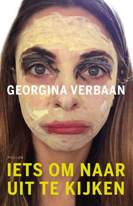 Georgina Verbaan heeft een gouden pen in een van haar duizend poten